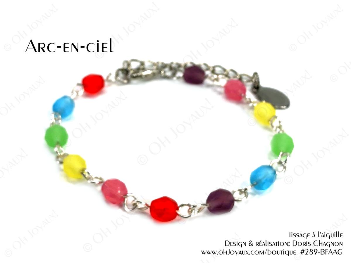 """Bracelet """"Arc-en-ciel"""" sur tiges métalliques de couleur argentée"""