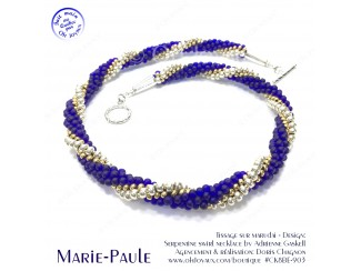 Collier Marie-Paule dans les couleurs de cobalt, argent et or