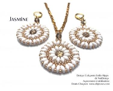 """Ensemble """"Jasmine"""" pendentif et boucles d'oreilles en blanc et or"""