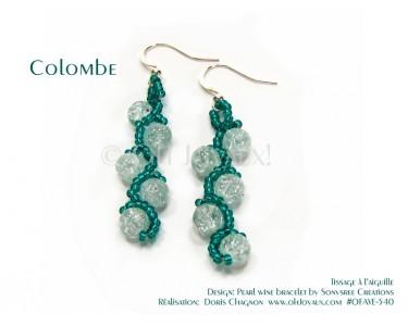 """Boucles d'oreilles """"Colombe"""" en transparent et vert émeraude"""