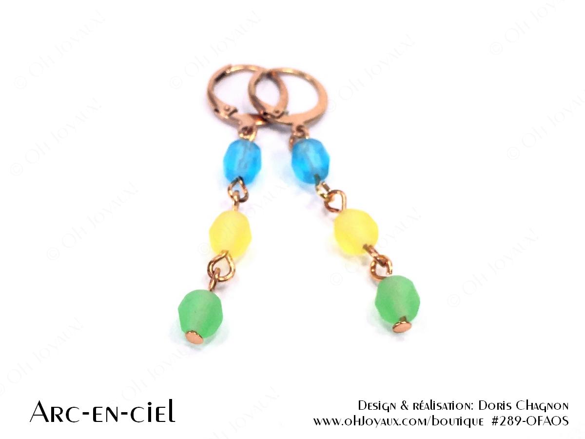 """Boucles d'oreilles """"Arc-en-ciel"""" sur tiges métalliques de couleur champagne"""