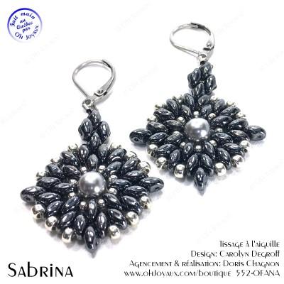 Boucles d'oreilles Sabrina de couleur hématite et argenté