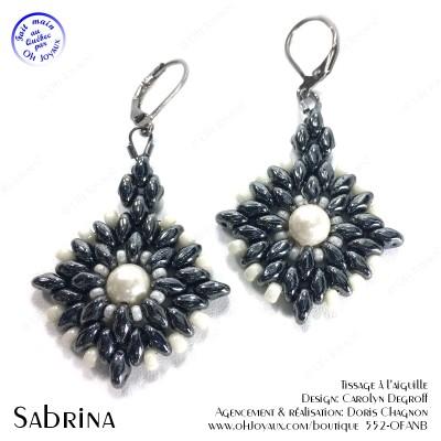 Boucles d'oreilles Sabrina de couleur hématite et blanc